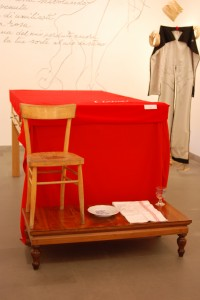 """""""Da una crepa"""": poesie su oggetti"""